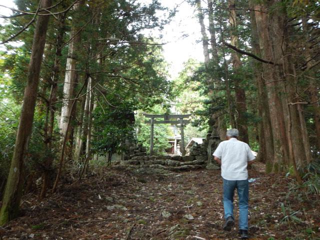 神賀神社への入り口