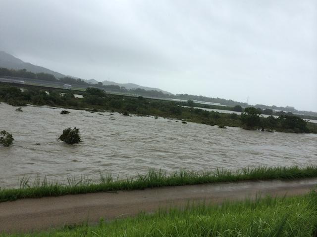 豪雨時の物部川
