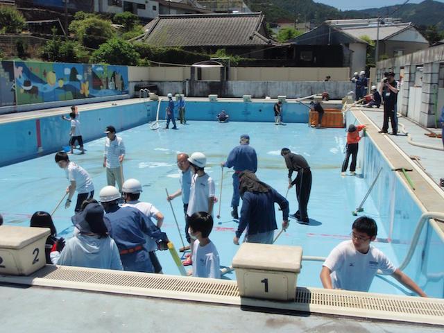 大栃中学校プール清掃4
