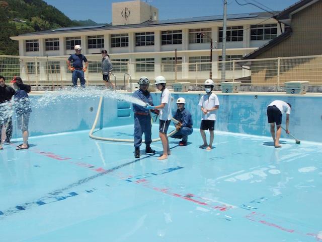 大栃中学校プール清掃6