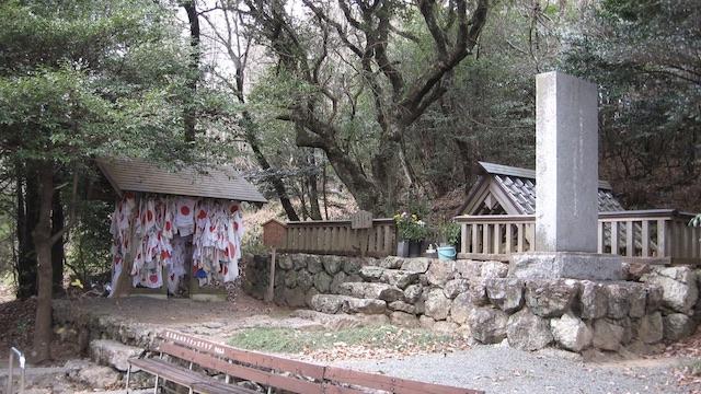 谷秦山墓所2