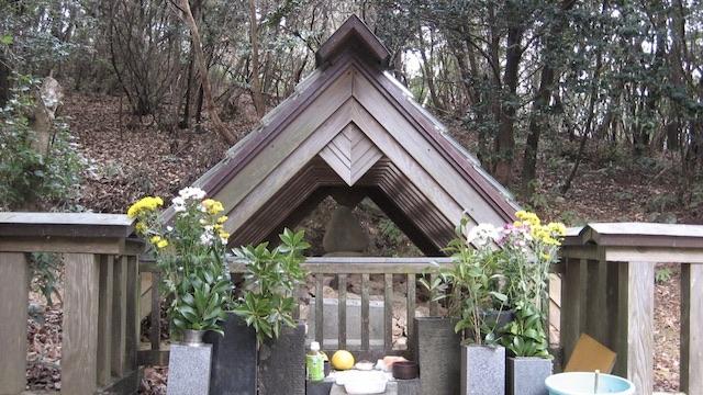 谷秦山墓所3